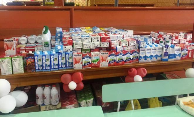 Participantes ainda doaram mil litros de leite ao HB