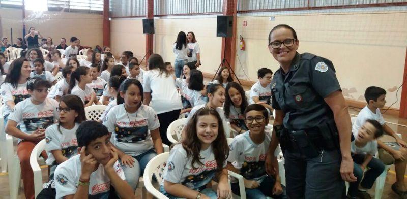 Em Bady Bassitt as crianças foram orientadas pela cabo da PM, Silvia Rodrigues Castro Ferreira