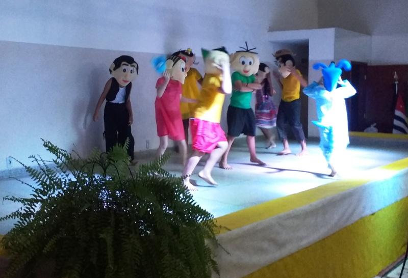 Apresentação teatral - Turma da Mônica