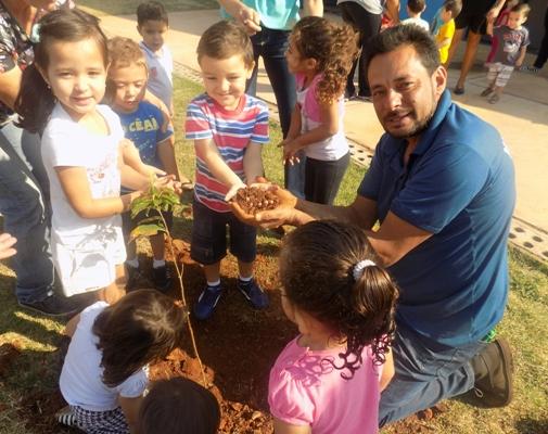 Prefeitura comemora Dia da Árvore com ações e plantio