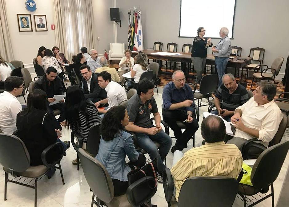Bady integra grupo que discute a regionalização do turismo