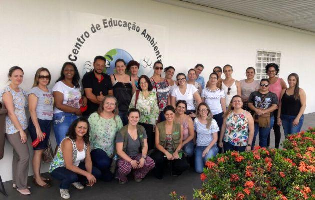 Educadores participam de ações que viabilizam aulas ambientais