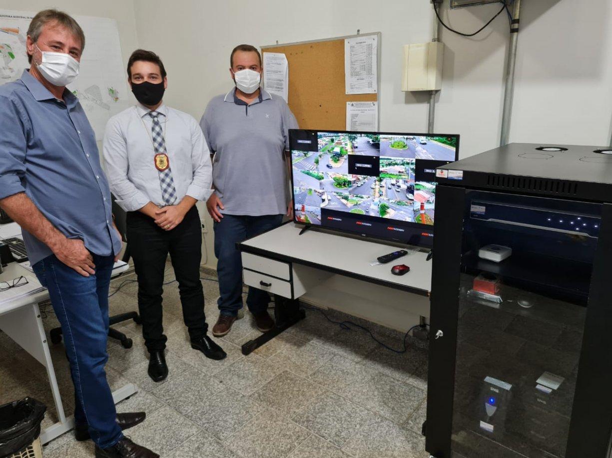 Prefeitura volta a investir em Segurança e instala nova central de monitoramento, agora na Policia Civil