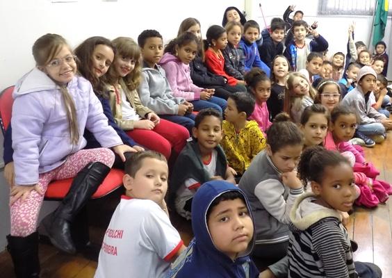 Alunos da escola Nice Beolchi visitam Prefeitura de Bady Bassitt