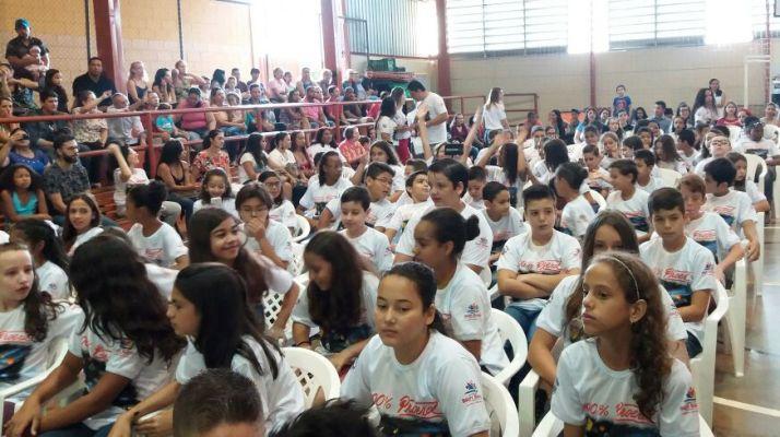 Mais de 200 alunos se formam no Proerd em Bady Bassitt