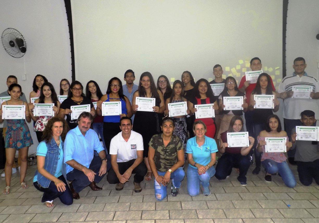 Após muito aprendizado, participantes do Time do Emprego recebem certificados