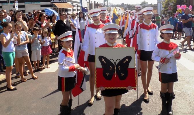 Mais de duas mil pessoas prestigiam  8º desfile cívico de Bady Bassitt