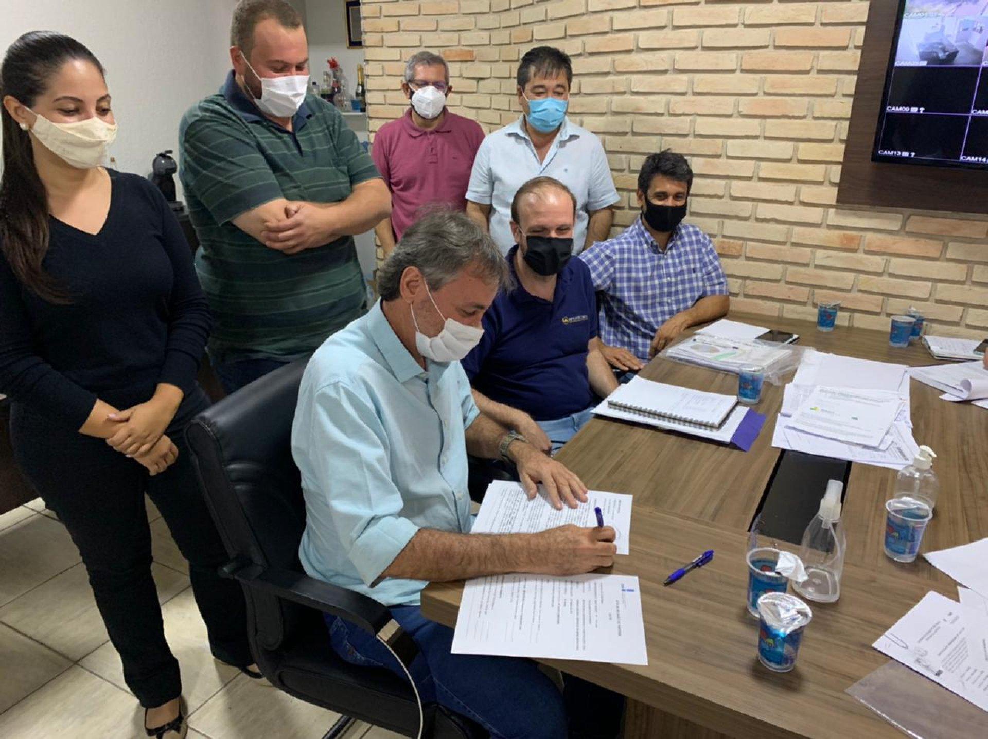 CDHU libera ordem de serviço para inicio da obra de infraestrutura do novo conjunho habitacional de Bady Bassitt