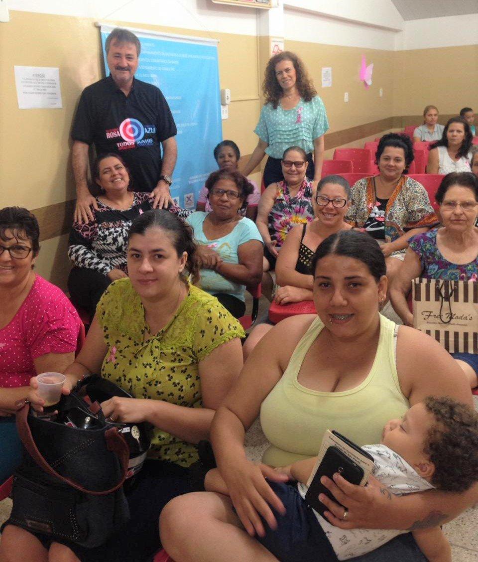 Saúde realiza ações especiais da campanha 'Outubro Rosa'