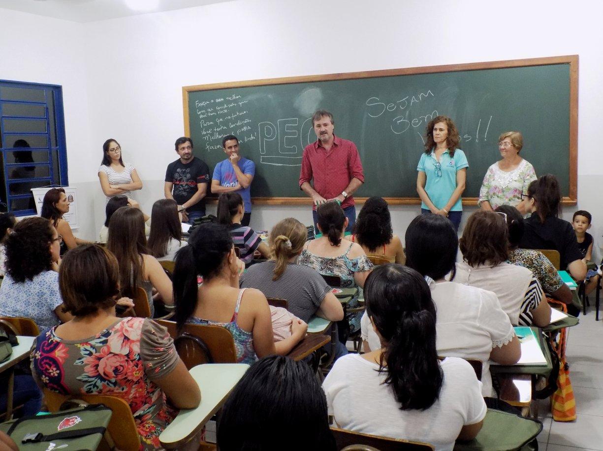 Qualificação: iniciados em Bady cursos de atendimento administrativo e panificação