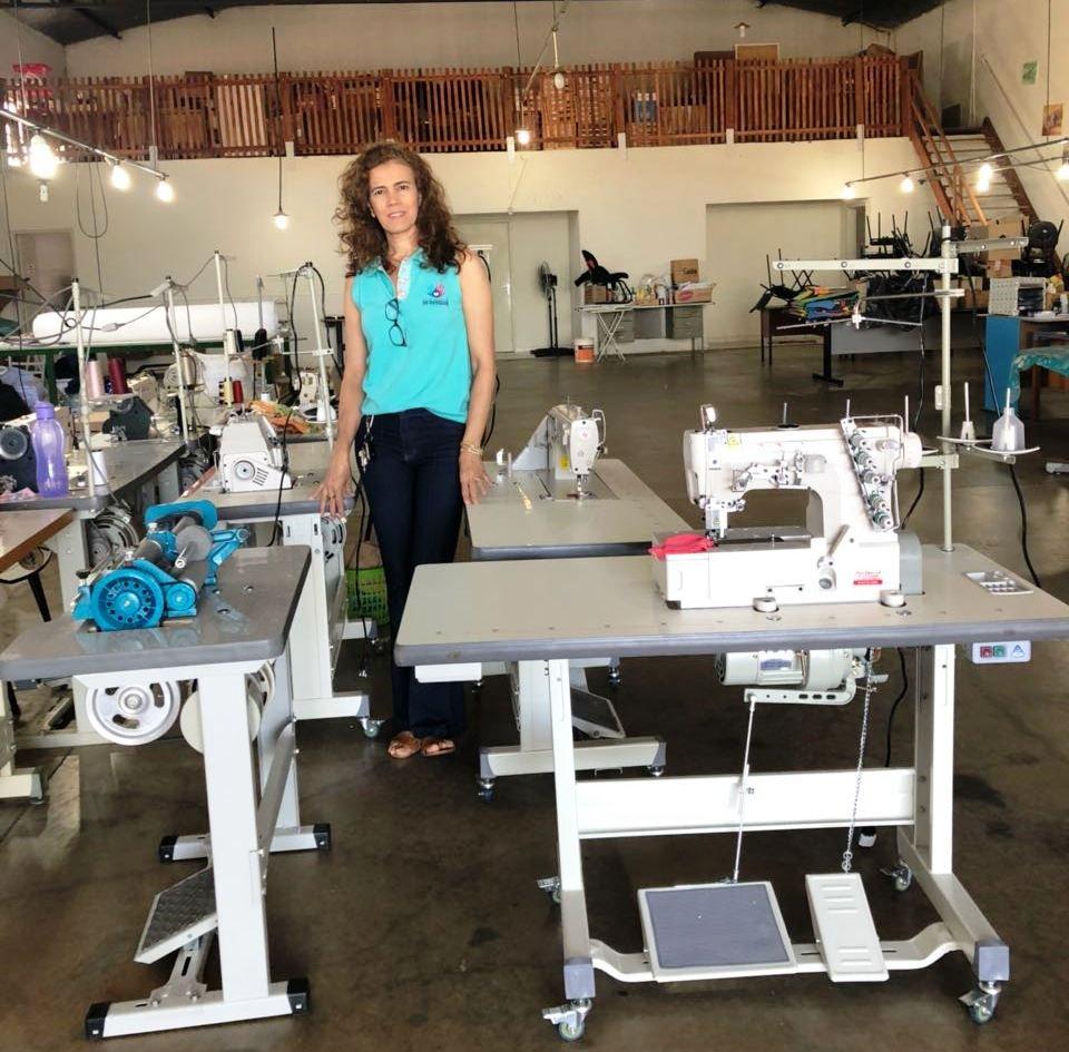 Boa notícia: Bady recebe máquinas de costura para mais capacitação
