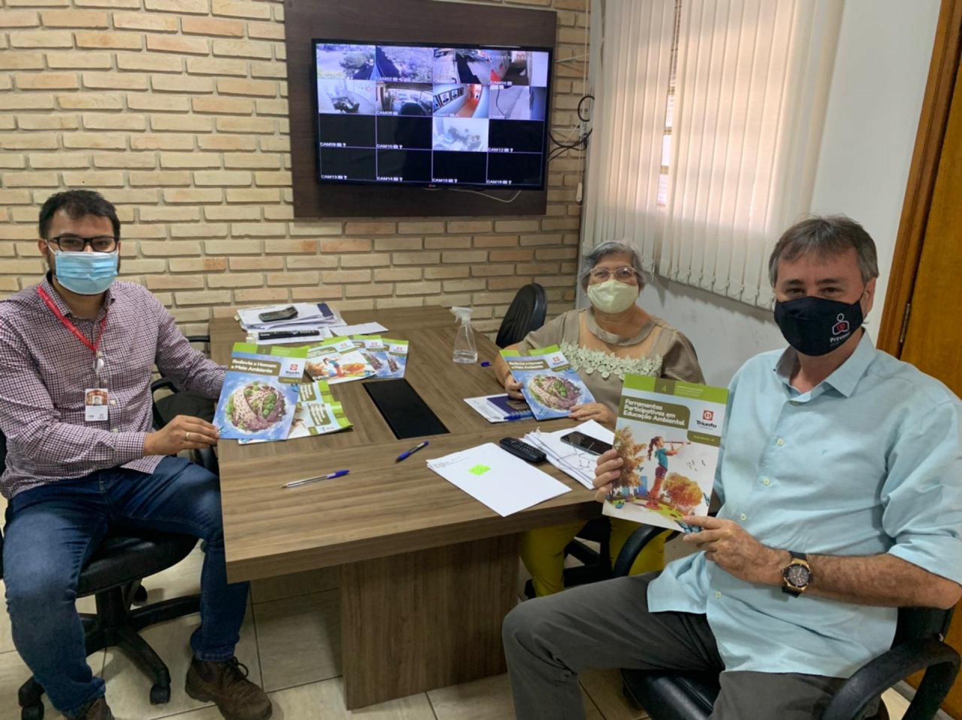 Educação de Bady Bassitt lança livro de educação ambiental para alunos da rede municipal