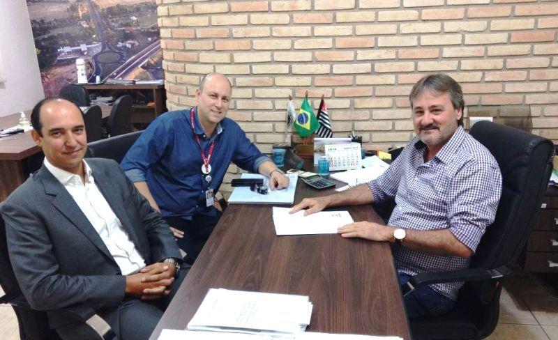 Tobardini recebe diretores da Triunfo e pede melhorias na BR-153