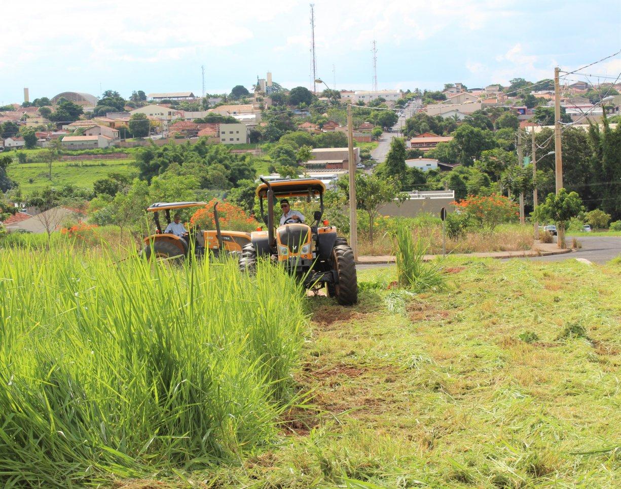 Prefeitura faz mutirão da limpeza em todos os bairros da cidade